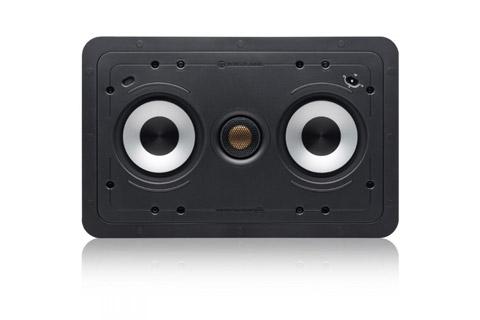 Indbygningshøjttaler fra Monitor Audio for enten stående eller liggende programmer med 2x 6