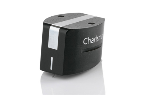 Charisma V2 er det nye flagskib i ClearAudio´s MM Pickup serie. Charisma har samme nålefane som den ultimative reference model, Goldfinger statement.