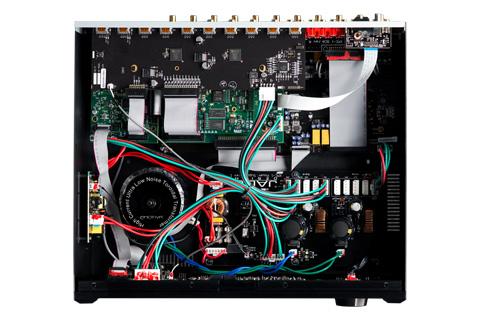 Emotiva XMC-1 Surround processor åben top