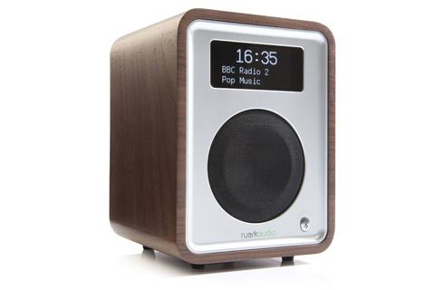 Ruark Audio R1 MK3 side, walnut