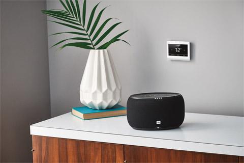 JBL Link 300 smart højtaler, lifestyle