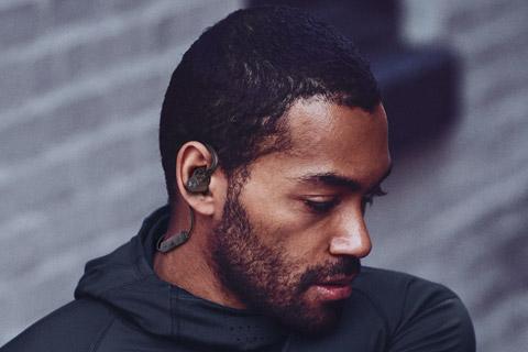 JBL Under Armour Pivot in-ear hovedtelefoner