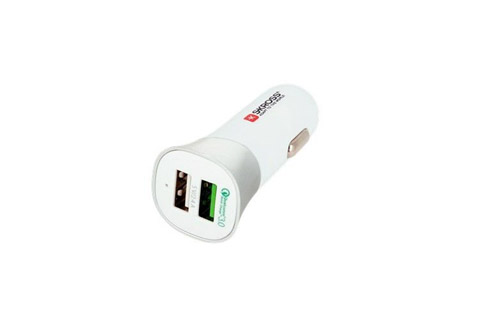 Skross Dual USB Car Charger 3.0, 5.4A - Front and side