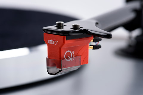 Pro-Ject The Classic Evo Ortofon Quintet Red