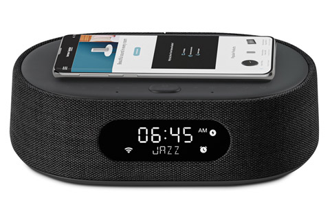 Harman Kardon Oasis smart speaker - Qi