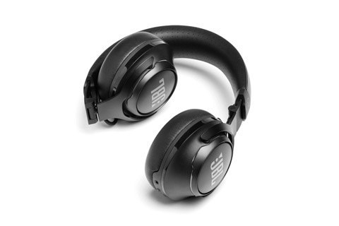 JBL CLUB 700BT headphones