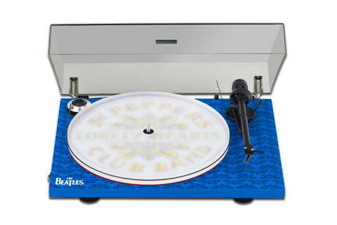 Pro-Ject Essential III Sgt. Peppers Drum dust cover
