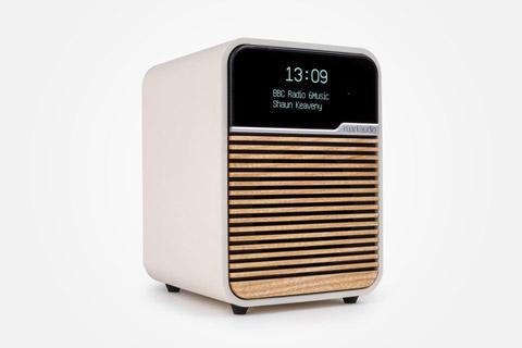 Ruark Audio R1 MK4 FM/DAB+ table top radio with Bluetooth - Light Cream