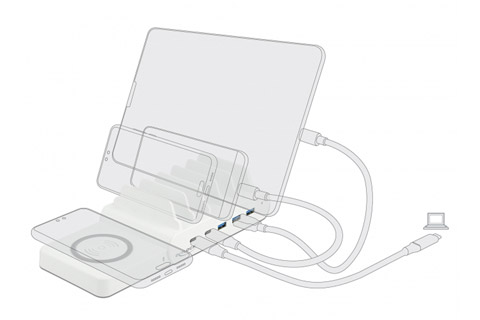 DeLock 6 in 1 USB charging station with wireless charger - In use