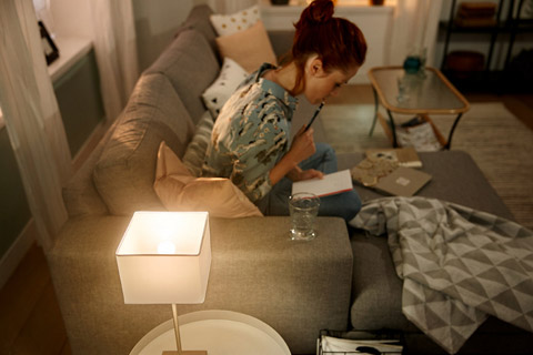 Philips Hue White E14 LED small bulb - Lifestyle
