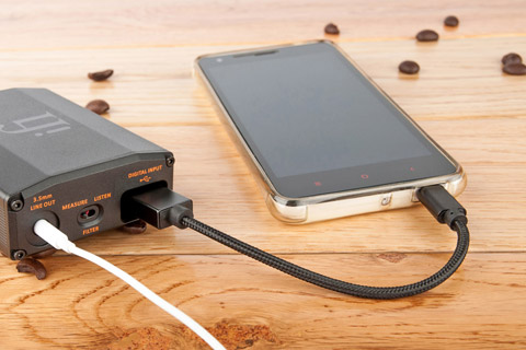 IFI Audio USB-C OTG cable - Lifestyle
