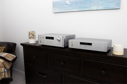 Rotel RA-1572 integrated amplifier, lifestyle