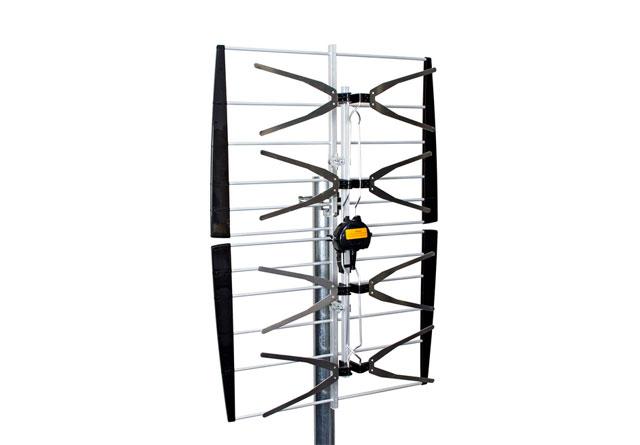 Kvalitets gitter antenne fra Televes, typisk til sommerhus områder i skov- og bakkeområder.