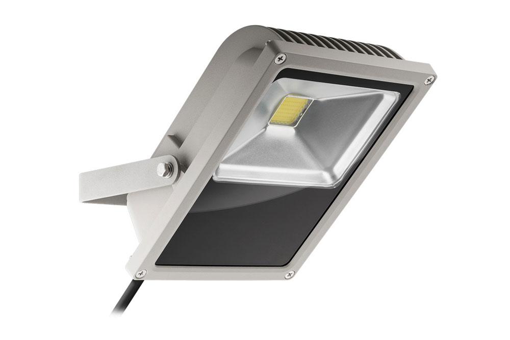 LED Projektør på 50W. Vælg mellem varm hvid (3000K) eller kold hvid (6000K) - Svarer til en almindelig halogen-projektør på ca. 230-250 watt