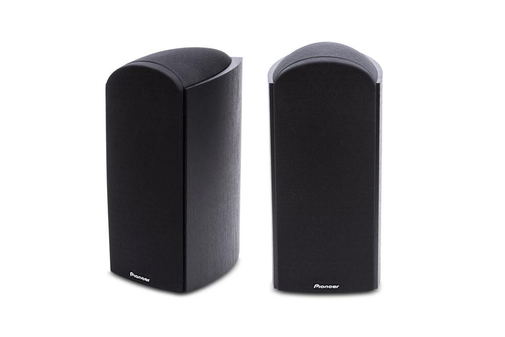 Dolby Atmos reolhøjttalerne fra Pioneer, som kan bruges til både front- eller baghøjttalere, samt har en loft-reflekterende højttaler indbygget.