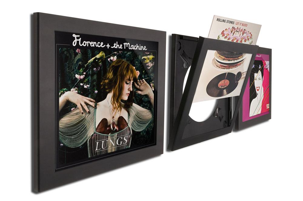 Play & Display lader dig nyde favoritterne blandt dine pladeomslag, mens du nyder musikken!