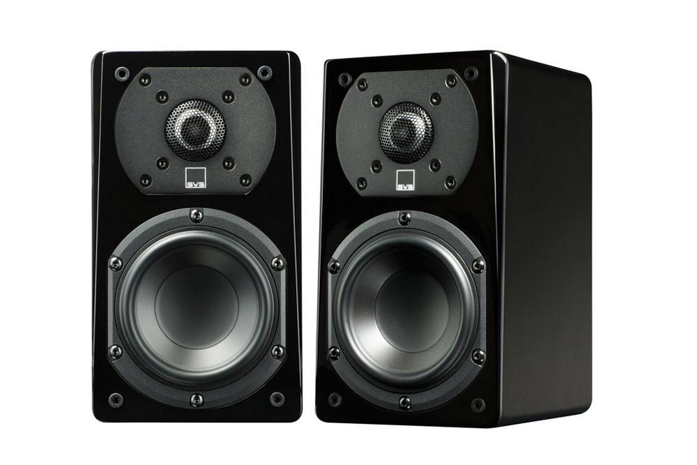 Aldrig før har en så prisvenlig sattelit højttaler tilbudt SÅ stor lyd i et så lækkert og audiofilt design. Kan bruges som front/center og surround.