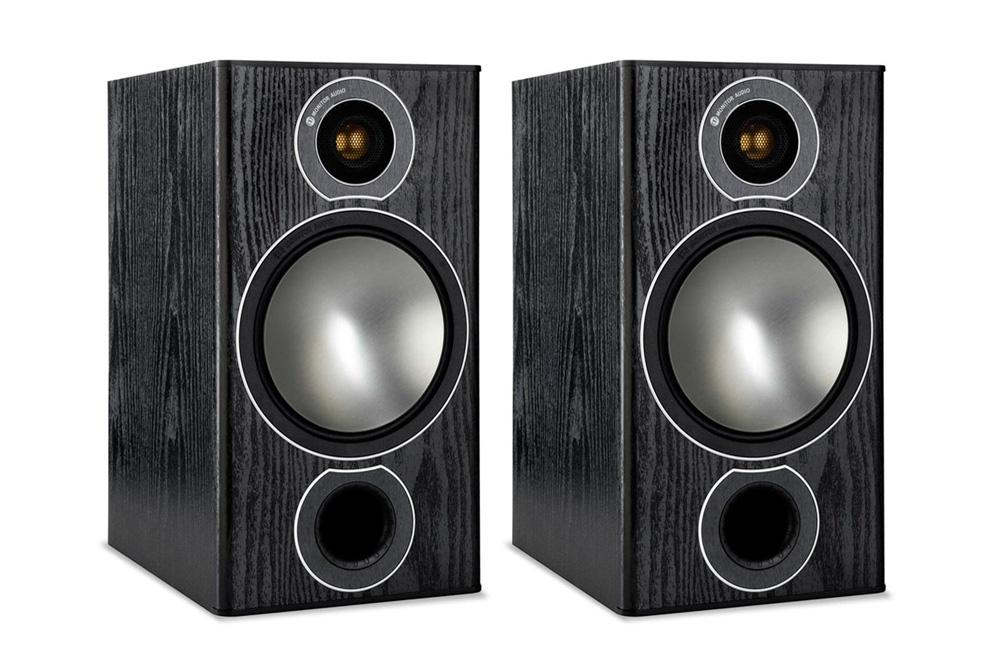 Er Bronze 1 ikke helt nok, er Monitor Audio Bronze 2 helt sikkert noget for dig. Med en større 6.5
