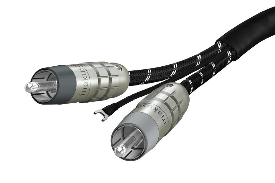 Reference RCA kabel fra Inakustik med seperat skærm til en pladespiller.