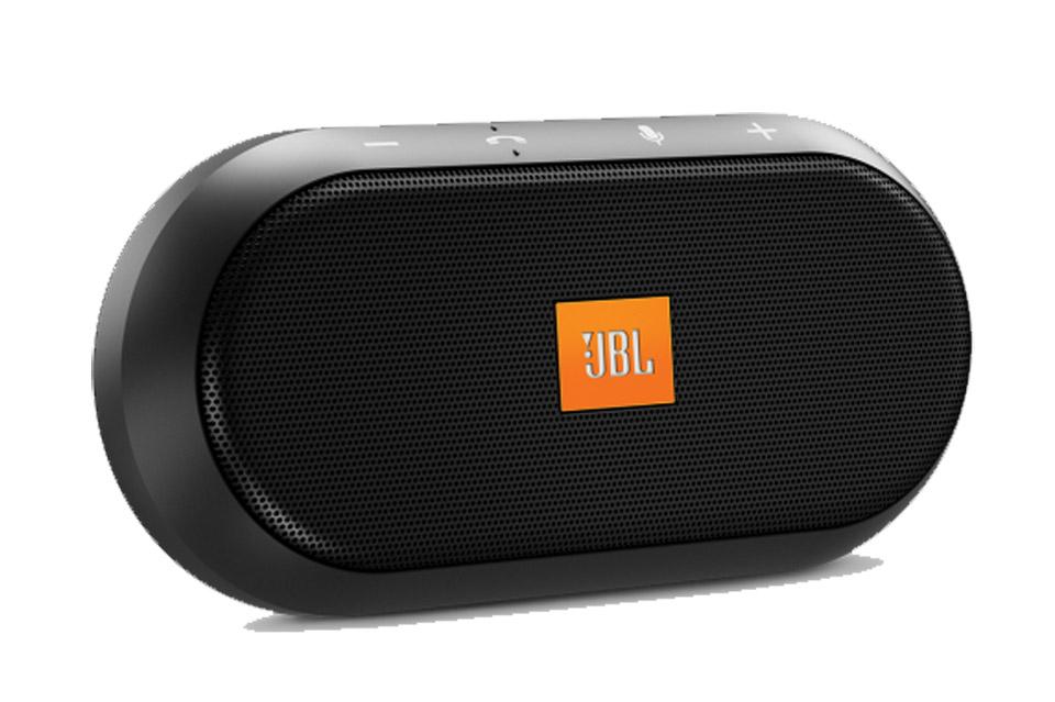 JBL Trip er et bærbart håndfri højttaler med mikrofon og aktiv støjreduktion. Trip kan klipses på solskyggen i din bil og forbindes med Bluetooth.