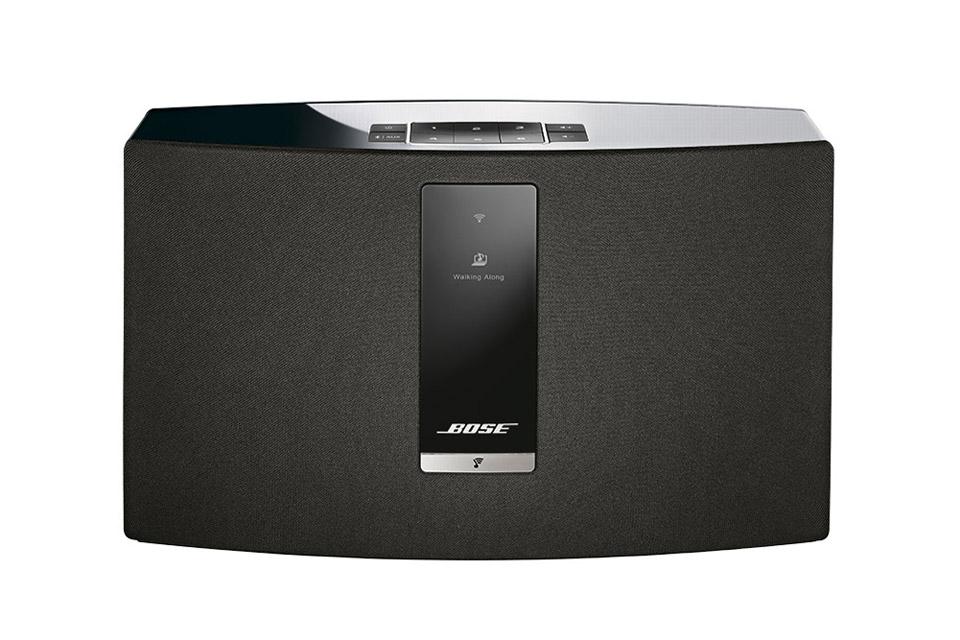 Bose SoundTouch 20 serie III er det perfekte musik system f.eks. til køkkenet eller børneværelset. Simpel streaming af netradio, Bluetooth osv.