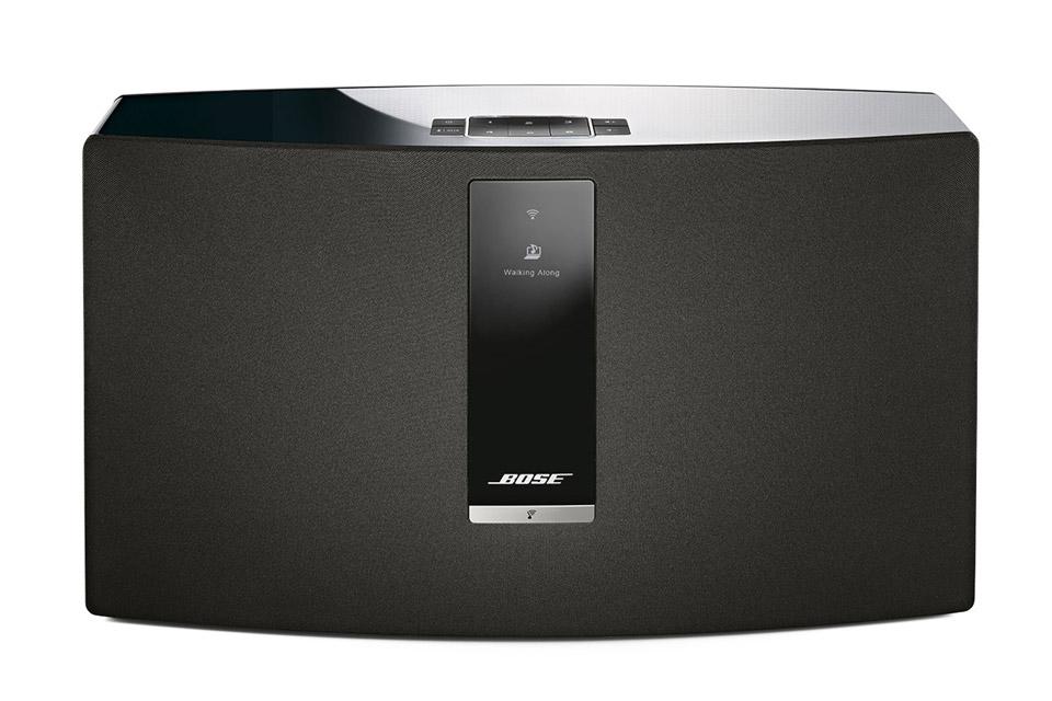 Bose SoundTouch 30 III er velegnet som anlæg i stuen eller køkken-alrummet. Kraftig lyd og simpel streaming af netradio,  Bluetooth osv.