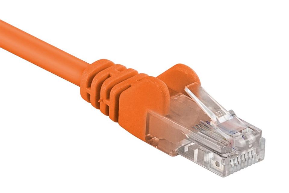 Orange RJ45 Cat 5e netværkskabel til en meget lav pris! Understøtter høje hastigheder, men ved længere kabeltræk anbefales CAT 6 eller 7 kabler.
