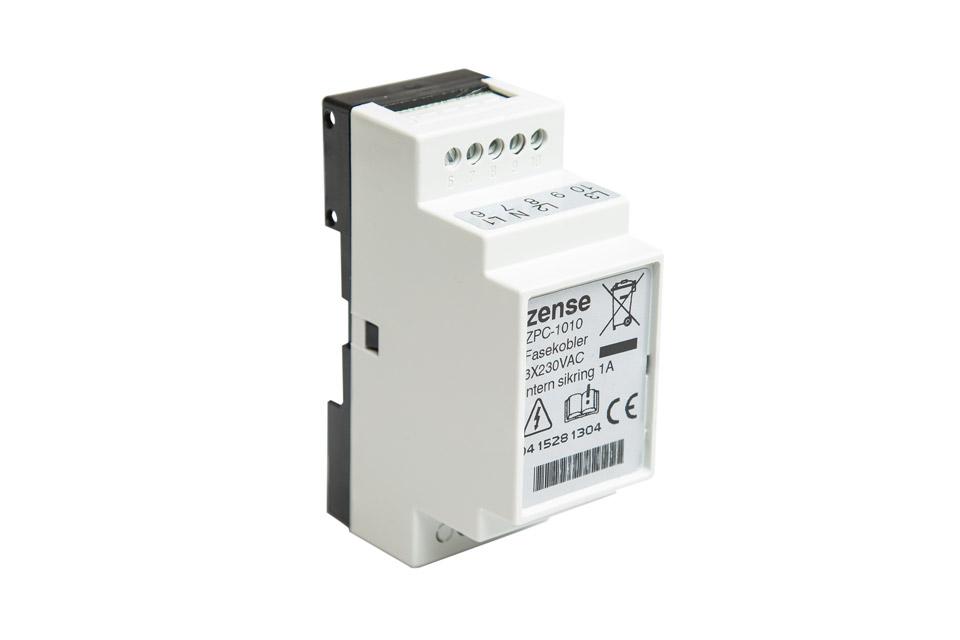 Fasekobler er en Zense-enhed som kan installeres, hvis der er behov for at signalet skal sendes på tværs af forskellige faser.