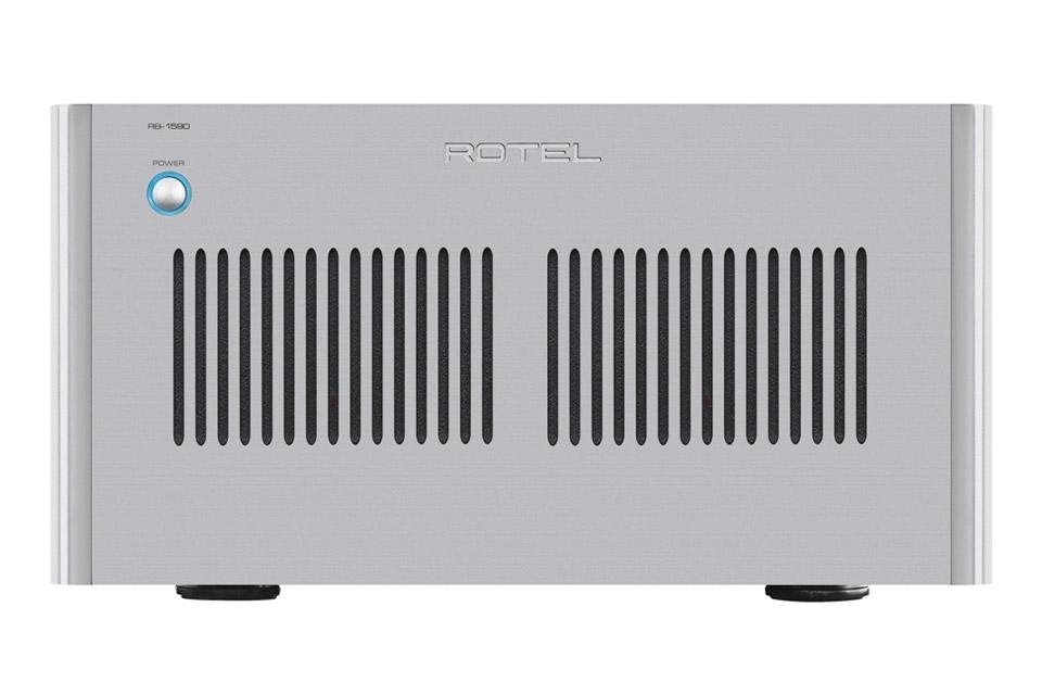 RB-1590 er Rotels reference stereo effektforstærker, som yder ikke mindre 2x 350W i klasse A/B ved 8 Ohm.