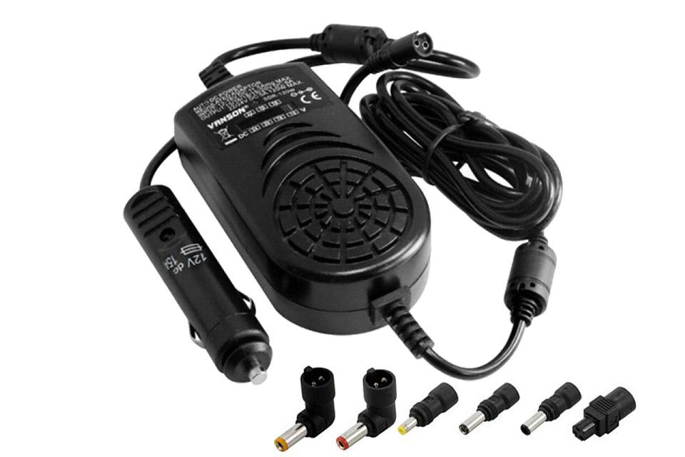 Strømforsyning til 12V udtag i bilen, der gør det muligt at oplade en notebook. Max belastning: 150W.