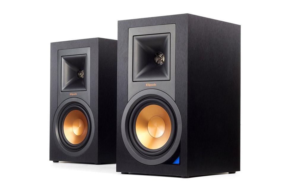 Aktive højttalere til TV, pladespiller eller Bluetooth streaming. R-15PM har vanlig dynamisk, åben og medrivende lyd, som kun Klipsch kan levere.