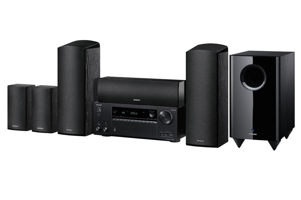 Komplet prisstærk hjemmebiograf med surround receiver og Atmos 5.1.2 højttalersystem med subwoofer.