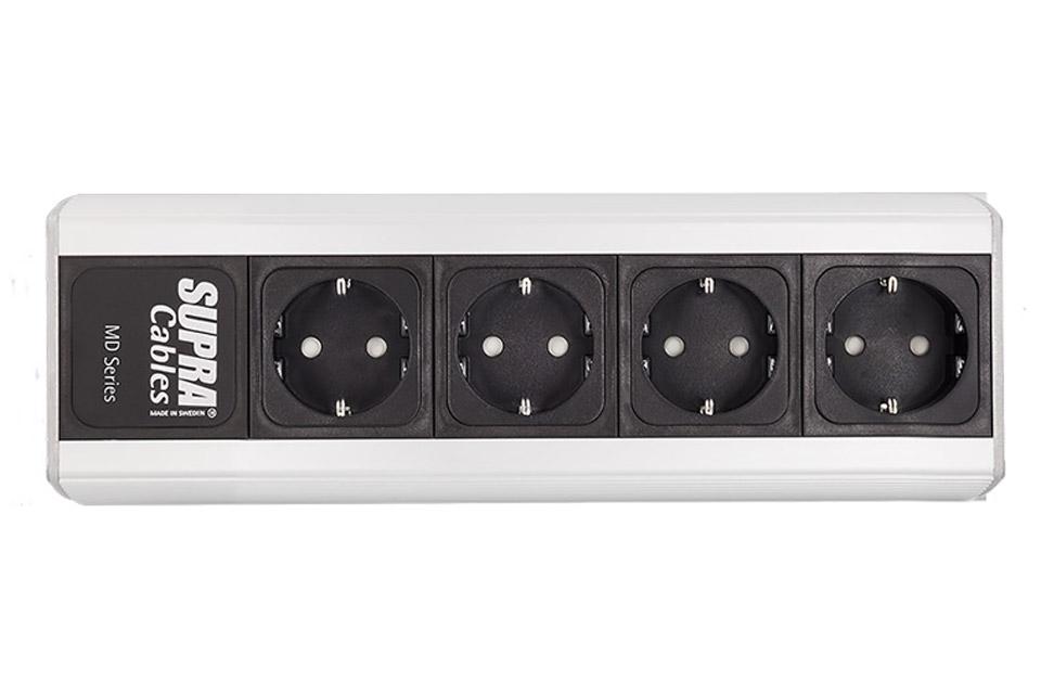 Ny og forbedret 4-stik strømskinne fra Supra. Denne version kommer UDEN strømstøds sikring, men med optimeret stik og filter.