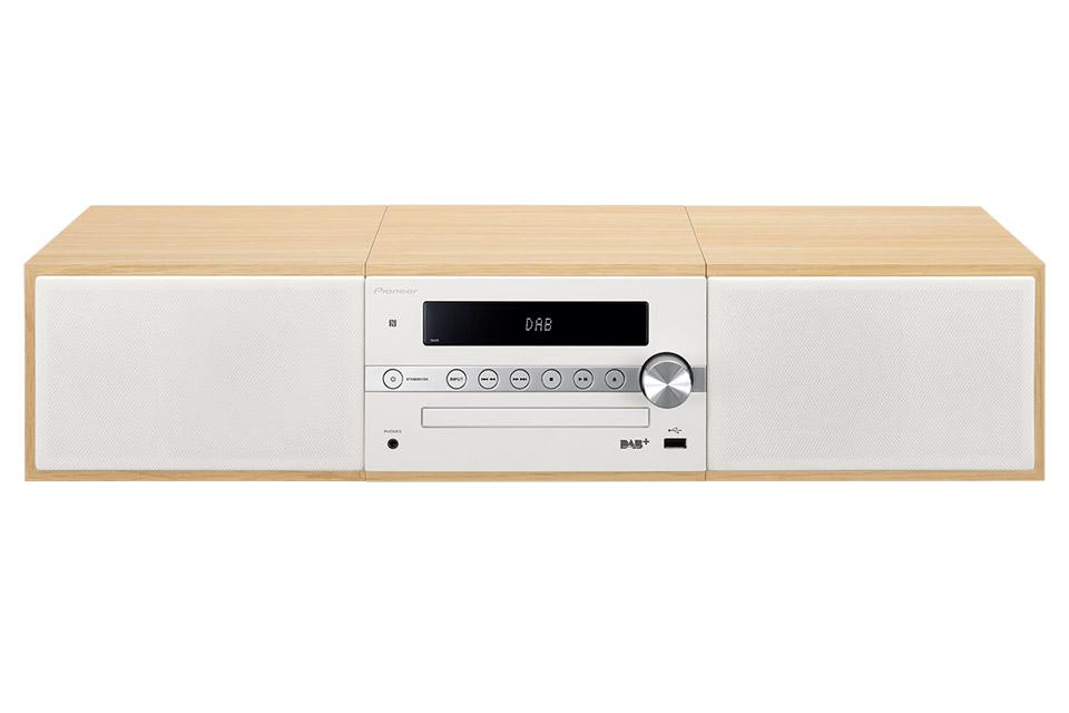 Nyt mikrosystem fra Pioneer i et elegant nordisk design. Det velspillende alt-i-et system har både CD, FM og Bluetooth.