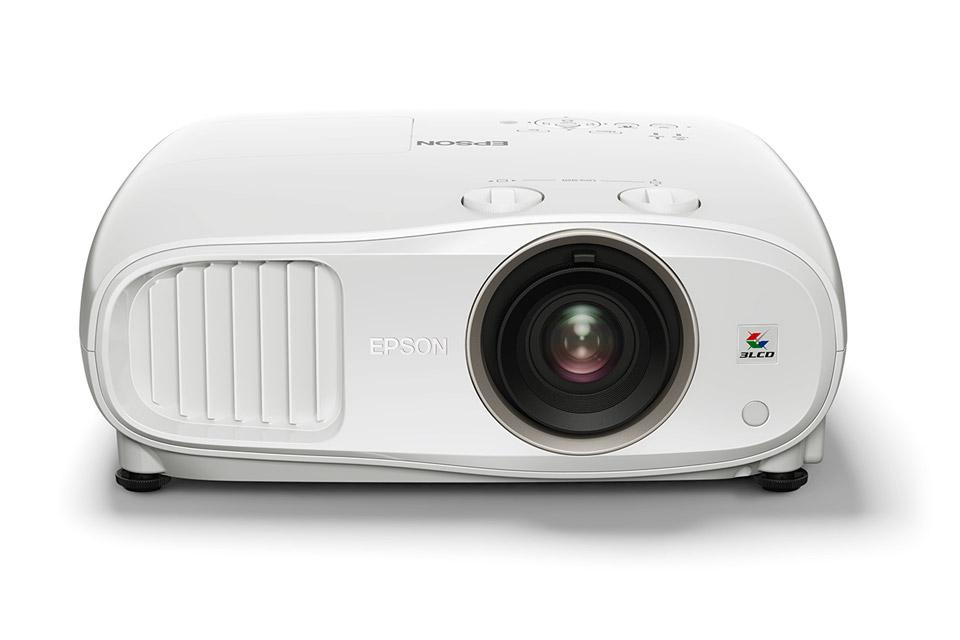 Fuld HD projektor med fantastisk 2D og 3D billedgengivelse. EH-TW6800 har et kontrastforhold på 120.000:1, ISF-kalibrering og lens shifting.