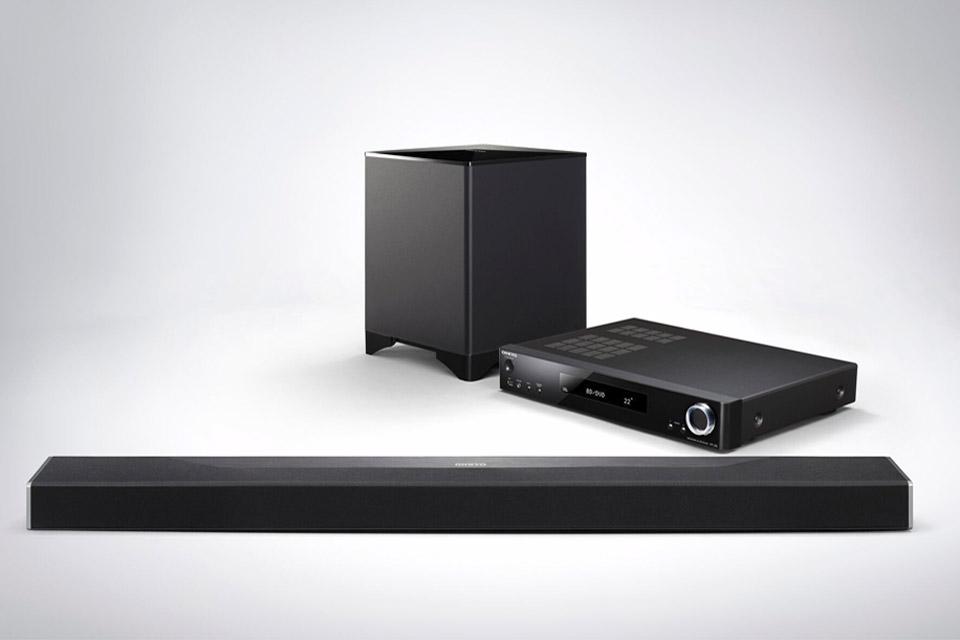 Dolby Atmos og DTS:X soundbar fra Onkyo, med trådløs subwoofer og slimline AV-center.