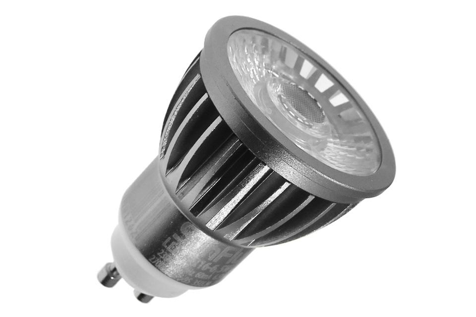 LED spot med varm-hvid lys og et forbrug på kun 6,5W med 350 lumen. Farvegengivelse og lysstyrke som en GU10 halogen pære på ca. 50-60W - Dæmpbar