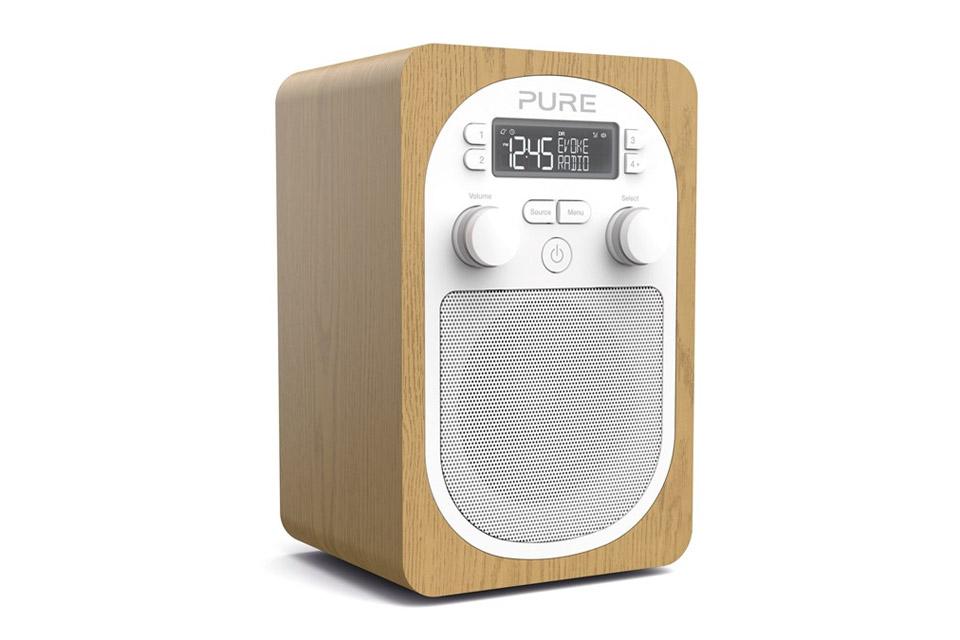 Evoke H2 er den perfekte radio til køkkenet eller natbordet. H2 har bevaret det ikoniske design og den gode lyd fra Pure D2.