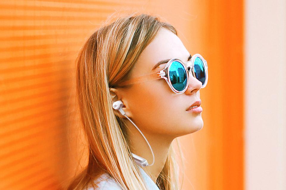 JBL E25BT in-ear hovedtelefoner, lifestyle
