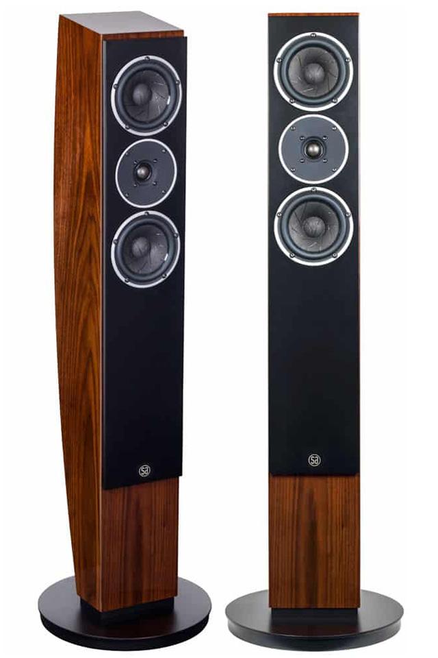 Pandion 30 henvender sig til musikelskere med sans for detaljer i alle afskygninger og som ønsker en højttaler der fremstår smukt som et design møbel.