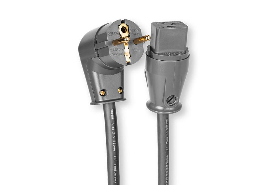 Anniversary udgave af det anerkendte Supra Lorad kabel, med sølvpletterede kobber ledere. Denne udgave har vinklet Shuko han og 16A apparat hun.