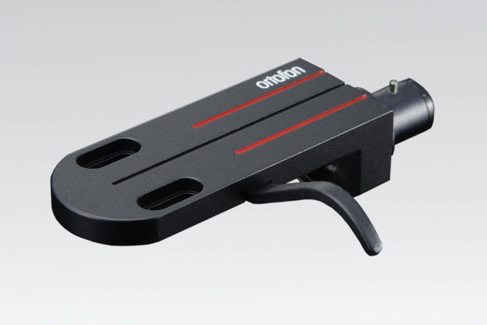 LH-6000 er en universal højkvalitets headshell der anbefales specielt til MC Windfield Ti og Cadenza serien.