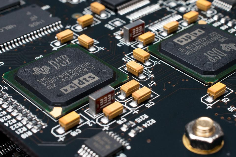 Emotiva XMC-1 Surround processor DSP