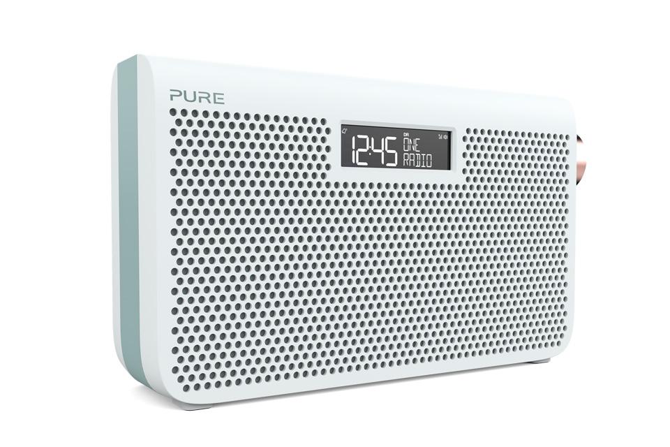 Enkel og elegant FM/DAB+ radio fra Pure. One Maxi 3S kan gøres transportabel med 6 AA batterier eller vha. den genopladelige ChargePAK D1 som kan