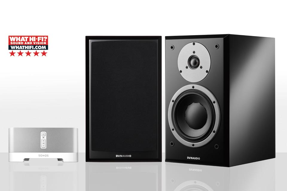 Komplet streaming musikanlæg bestående af de anmelderroste Emit 20 højttalere fra danske Dynaudio og den populære Sonos Connect AMP.