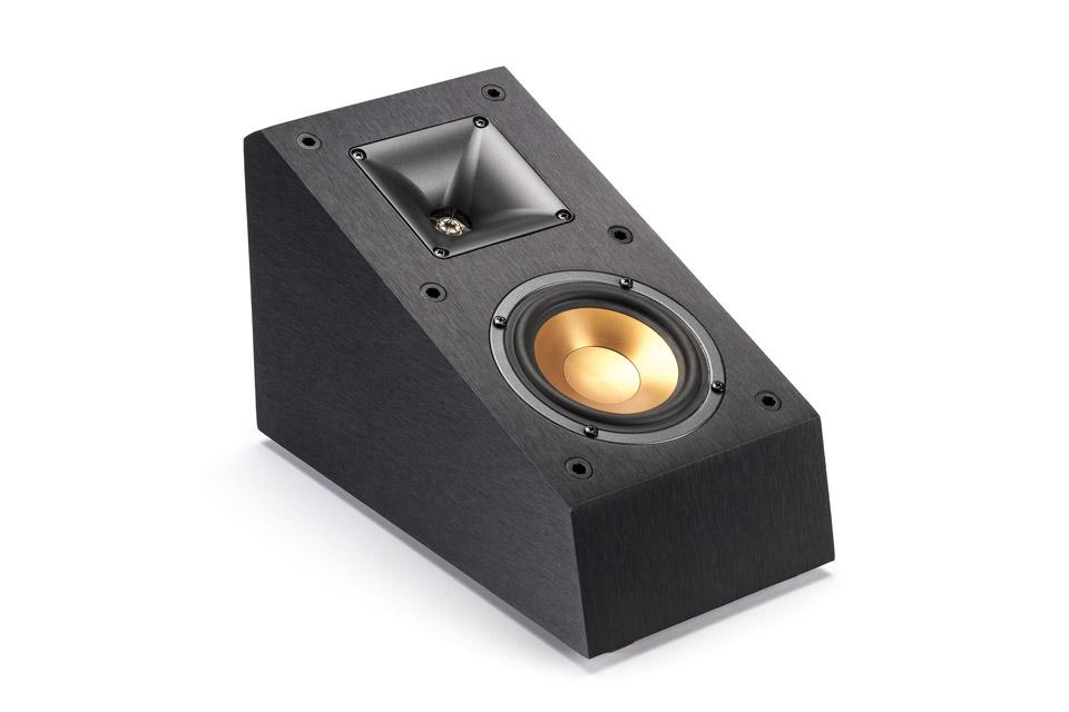 Højttalere til Dolby Atmos eller DTS:X lydsystemer. R-14SA kan både placeres på top af front højttalerne og væghænges. For loft montering kan beslag tilkøbes.