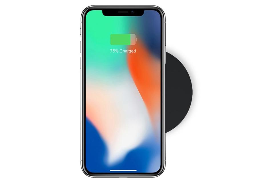 Lille rund trådløs oplader i et lækkert design, der passer til QI kompatible smartphones, som f.eks. iPhone 8, iPhone X, Samsung Galaxy S8 osv.