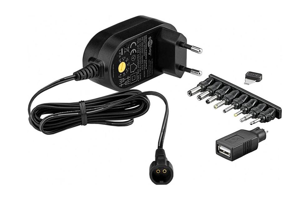 Universal strømforsyning fra 300 - 1500mA, der kan justeres fra 3V-12V. Der medfølger 8 stk. udskiftelige DC adaptere og 1 stk USB adapter.