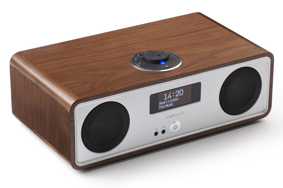 R2 is the perfect all-in-one streaming music system from Ruark Audio with Bluetooth, Spotify Connect, DLNA, Internetradio and FM/DAB+