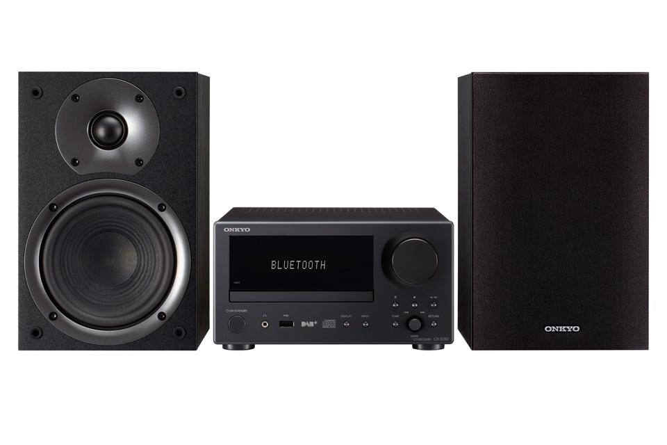 Stereo anlæg med højttalere og indbygget CD-afspiller. CS-375 har Bluetooth, DAB+ radio og en digital optisk indgang for nem tilslutning af f.eks. et TV.
